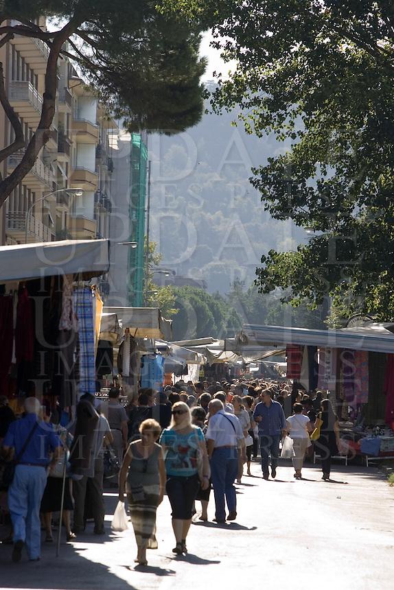 Un mercato ad Arezzo.<br /> Market in Arezzo.<br /> UPDATE IMAGES PRESS/Riccardo De Luca