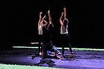 UNE FEMME AU SOLEIL<br /> <br /> Conception, chor&eacute;graphie : Perrine Valli<br /> Interpr&eacute;tation : Sylv&egrave;re Lamotte, Marthe Krummenacher, Gilles Viandier, Perrine Valli<br /> Cr&eacute;ation sonore : Polar &ndash; Eric Linder<br /> Cr&eacute;ation lumi&egrave;res : Laurent Schaer<br /> Sc&eacute;nographie : Perrine Valli, Claire Peverelli<br /> Production : Compagnie Sam-Hester<br /> Cadre : Rencontres chor&eacute;graphiques internationales de Seine-Saint-Denis<br /> Lieu : Nouveau Th&eacute;&acirc;tre, salle Maria Casar&egrave;s<br /> Ville : Montreuil<br /> Date : 04/05/2015