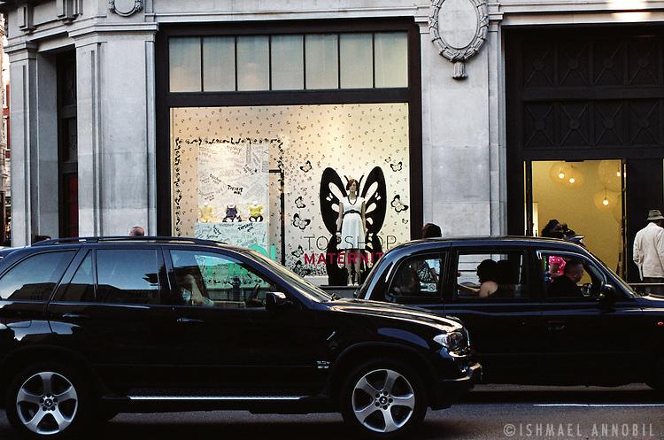 FASHION ANGEL, OXFORD STREET, LONDON