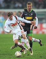 FUSSBALL   1. BUNDESLIGA  SAISON 2011/2012   16. Spieltag FC Augsburg - Borussia Moenchengladbach            10.12.2011 Marcel de Jong (li, FC Augsburg) gegen Mike Hanke (Borussia Moenchengladbach)