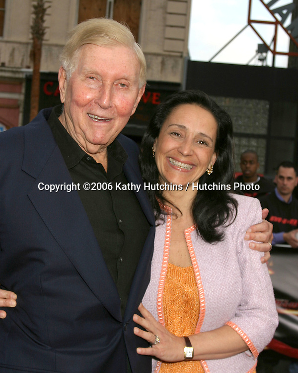 Sumner Redstone and wife Arriving at the.MIssion Impossible 3 Fan Screening.Grauman's Chinese Theater.Hollywood & Highland.Los Angeles, CA.May 4, 2006.©2006 Kathy Hutchins / Hutchins Photo....