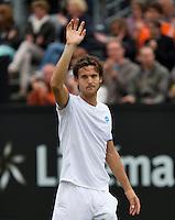Netherlands, Den Bosch, 19.06.2014. Tennis, Topshelf Open, Joao Sousa (POR) thanks the crowd<br /> Photo:Tennisimages/Henk Koster