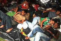 Manifestantes acampados em frente ao TJE PA, o dia do julgamento.<br /> <br /> <br /> Julgamento de Raifran das Neves Sales o Fogoió e Clodoaldo Carlos Batista ,conhecido como Eduardo, pelo  pelo assassinato da missionária americana Dorothy Mae Stang ocorrido  no municÌpio de Anapú no estado do Pará em 12/02/2005.Belém, Pará, Brasil.Foto Paulo Santos/Interfoto<br /> 9/12/2005