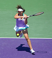 Marion BARTOLI (FRA) against Venus WILLIAMS (USA) in the semi-finals of the women's singles. Venus Williams beat Marion Bartoli 6-3 6-4..International Tennis - 2010 ATP World Tour - Sony Ericsson Open - Crandon Park Tennis Center - Key Biscayne - Miami - Florida - USA - Thu 1 Apr 2010..© Frey - Amn Images, Level 1, Barry House, 20-22 Worple Road, London, SW19 4DH, UK .Tel - +44 20 8947 0100.Fax -+44 20 8947 0117