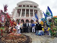 MANAUS, AM, 12.04.2019: CULTURA-MANAUS -  Victor Bicca, diretor de relações corporativas da Coca-Cola Brasil, assina documento oficializando o patrocínio de R$ 2,5 milhões que a Coca-Cola destinará aos bumbás em 2019, na manhã desta sexta-feira (12), no Teatro Amazonas, no centro, zona sul da capital Manaus.<br />  (Foto: Sandro Pereira/Codigo19)