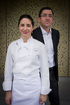 Elena Arzak (L) y Jose Mari Aizega (R) en el Basque Culinary Center