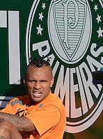 SÃO PAULO,SP, 29 julho 2013 -  Fabio Ferrera  durante treino do Criciuma no CT da Barra funda  na zona oeste de Sao Paulo, onde a equipe a equipe se prepara para enfrentar a Portuguesa em partida valida pelo campeonato brasileiro. FOTO ALAN MORICI - BRAZIL FOTO PRESS