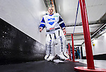 Stockholm 2014-10-02 Ishockey Hockeyallsvenskan AIK - BIK Karlskoga :  <br /> BIK Karlskogas m&aring;lvakt Mattias Modig p&aring; v&auml;g till omkl&auml;dningsrummet i Hovet inf&ouml;r matchen mellan AIK och BIK Karlskoga <br /> (Foto: Kenta J&ouml;nsson) Nyckelord:  AIK Gnaget Hockeyallsvenskan Allsvenskan Hovet Johanneshovs Isstadion Bofors BIK Karlskoga portr&auml;tt portrait inomhus interi&ouml;r interior
