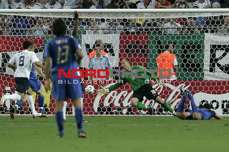 FIFA WM 2006 -  Gruppe E Vorrunde ( Group E )<br /> Play   #25 (17-Jun) - Italien - USA 1:1<br /> <br /> Tor GILARDINO <br /> <br /> <br /> Foto &copy; nordphoto