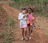 Friends, tobacco farm, Viñales
