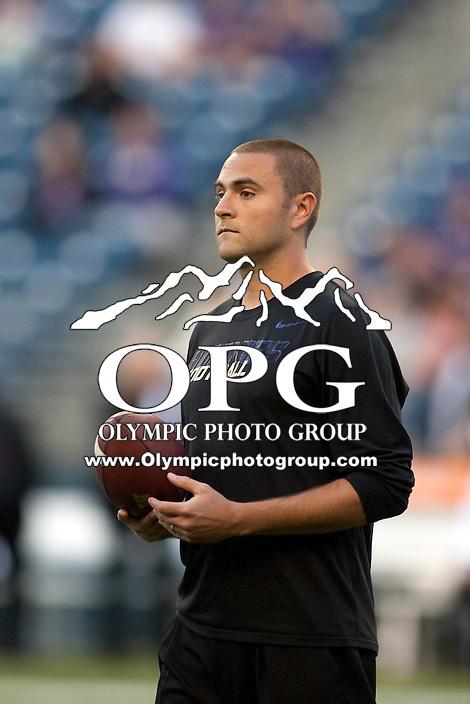 Sept 01, 2012:  Washington's Jimmie Dougherty against San Diego State.  Washington defeated San Diego State 21-12 at CenturyLink Field in Seattle, Washington...