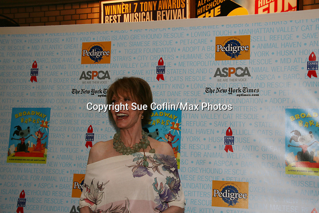 """Host Mary Tyler Moore & Bernadette Peters at Broadway Barks 11 - a """"Pawpular"""" star-studded dog and cat adopt-a-thon on July 11, 2009 in Shubert Alley, New York City, NY. (Photo by Sue Coflin/Max Photos)"""