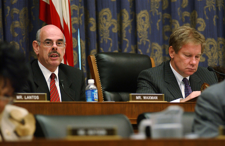"9/29/04.INTELLIGENCE RESTRUCTURING--Ranking Democrat Henry A. Waxman, D-Calif., and Chairman Thomas M. Davis III, R-Va., during the House Government Reform markup of draft legislation, HR 10, the ""9/11 Recommendations Implementation Act,"" which would reorganize and restructure U.S. intelligence gathering and analysis operations..CONGRESSIONAL QUARTERLY PHOTO BY SCOTT J. FERRELL"