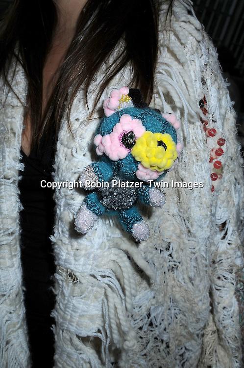 Teddy Bear pin made by Louda