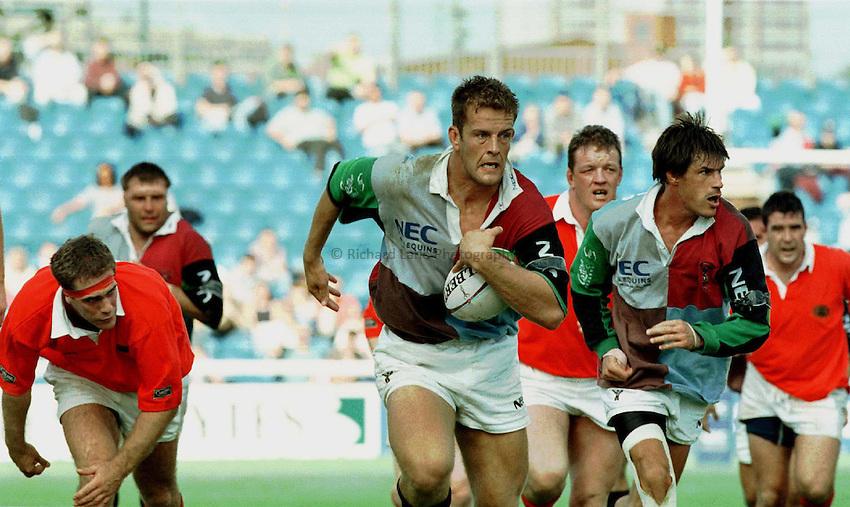 Photo : Ken Brown.7.9.97 Heineken Cup, Harlequins v Munster.Gareth Llewellyn on a charge