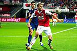 Nederland, Alkmaar, 20 oktober  2012.Eredivisie.Seizoen 2012-2013.AZ-N.E.C..Viktor Elm van AZ in duel om de bal met Danny van den Meiracker van N.E.C.