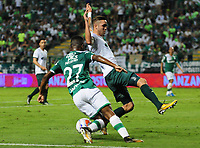 CALI - COLOMBIA - 15 - 10 - 2017: Darwin Andrade (Izq.) jugador de Deportivo Cali disputa el balón con Jean Carlos Blanco (Der.) jugador de La Equidad, durante partido de la fecha 15 entre Deportivo Cali y La Equidad, por la Liga Aguila II- 2017, jugado en el estadio Deportivo Cali (Palmaseca) de la ciudad de Cali. / Darwin Andrade (L) player of Deportivo Cali vies for the ball with Jean Carlos Blanco (R) player of La Equidad, during a match of the date 15th between Deportivo Cali and La Equidad, for the Liga Aguila II- 2017 at the Deportivo Cali (Palmaseca) stadium in Cali city. Photo: VizzorImage  / Nelson Rios / Cont.
