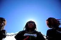BRASÍLIA, 27 DE JUNHO DE 2012 - Integrantes do grupo Educafro fazem ato silencioso em frente o Palácio do Planalto em favor da Política de Cotas Raciais - Foto: Pedro França/Brazil Photo Press