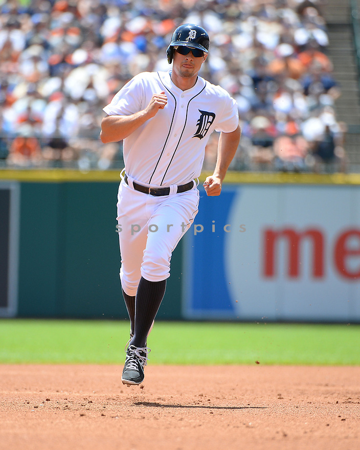 Detroit Tigers Don Kelly (32) during a game against the Los Angeles Dodgers at Comerica Park on July 8, 2014 in Detroit, MI. The Tigers beat the Dodgers14-5.