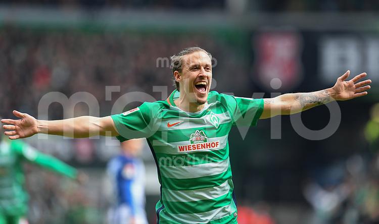 FUSSBALL     1. BUNDESLIGA      31. SPIELTAG    SAISON 2016/2017  SV Werder Bremen - Hertha BSC Berlin                          29.04.2017 Max Kruse (SV Werder Bremen) bejubelt den Treffer zum 1:0