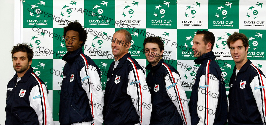 Tenis, Davis Cup 2010.Serbia Vs. France, final.Pres conference.France team, from left, Arnaud Clement, Gael Monfils, Guy Forget, Gilles Simon, Michael Llodra and Richard Gasquet.Beograd, 30.11.2010..foto: Srdjan Stevanovic/Starsportphoto ©