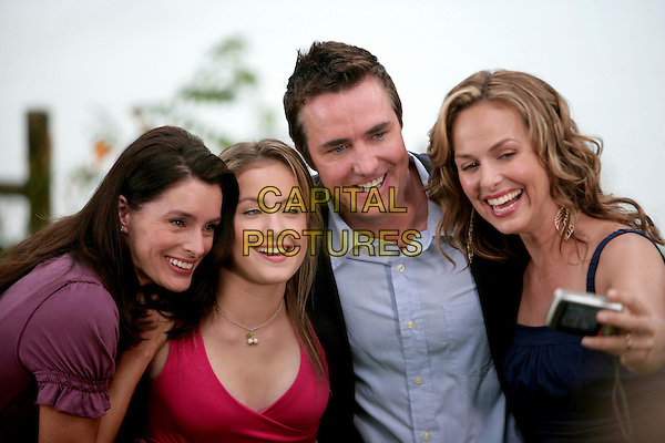 SARAH DEAKINS, BRITTNEY WILSON, PAUL McGILLION & MELORA HARDIN.in Mom, Dad and Her.*Filmstill - Editorial Use Only*.CAP/FB.Supplied by Capital Pictures.