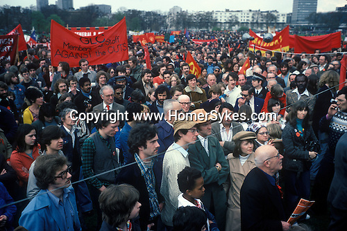 Crowds of socalists gather to hear speaches at the May Day rally in Hyde Park, London England 1977.
