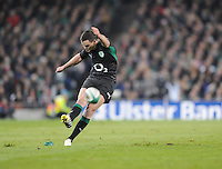 10.11.2012. Dublin, Ireland.  Ireland's Jonathan Sexton takes a penalty during the Guiness Series 2012 Rugby match between Ireland and South Africa from the Aviva Stadium