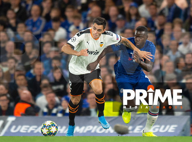 Valencia Maxi Gomez and Chelsea's Kurt Zouma during the UEFA Champions League match between Chelsea and Valencia  at Stamford Bridge, London, England on 17 September 2019. Photo by Andrew Aleksiejczuk / PRiME Media Images.