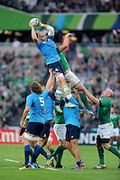 Sergio Parisse of Italy takes one off the top of the lineout during Match 28 of the Rugby World Cup 2015 between Ireland and Italy - 04/10/2015 - Queen Elizabeth Olympic Park, London<br /> Mandatory Credit: Rob Munro/Stewart Communications