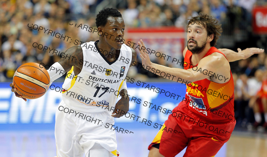 Germany's Dennis Schroder (L) vies with Spain's Sergio Llull during European championship group B basketball match between Germany and Spain on 10. September 2015 in Berlin, Germany  (credit image & photo: Pedja Milosavljevic / STARSPORT)