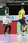 Gehaltener Ball von Rhein Neckar Loewe Mikael Appelgren (Nr.1)  beim Spiel in der Handball Bundesliga, Rhein Neckar Loewen - VfL Gummersbach.<br /> <br /> Foto &copy; PIX-Sportfotos *** Foto ist honorarpflichtig! *** Auf Anfrage in hoeherer Qualitaet/Aufloesung. Belegexemplar erbeten. Veroeffentlichung ausschliesslich fuer journalistisch-publizistische Zwecke. For editorial use only.