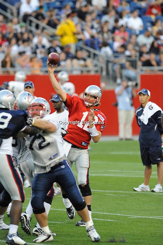 2010 New England Patriots in stadium training camp