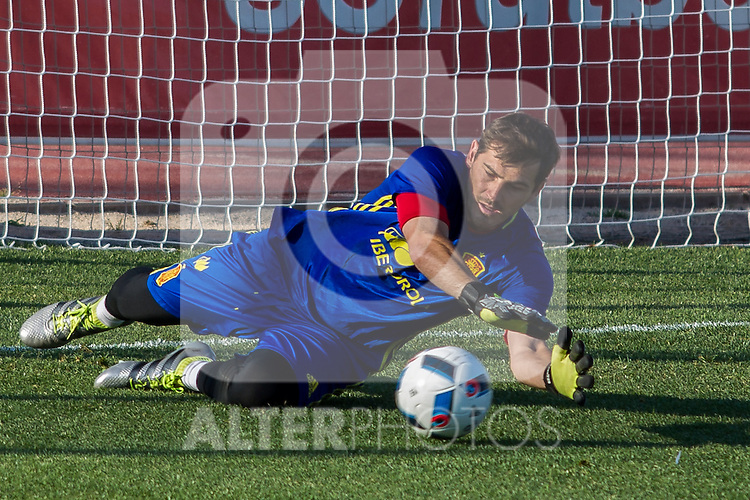 Spain's Iker Casillas during the first training of the concentration of national soccer team before the Uefa Euro 2016.  Jun 4,2016. (ALTERPHOTOS/Rodrigo Jimenez)