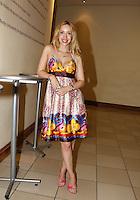 SAO PAULO, SP 16 DE JANEIRO 2012. ESPETÁCULO HAIR-SP. A atriz Kiara sasso, na exibicao para convidados da peca Hair, no teatro do shopping Frei Caneca, na regiao central de SP, na noite desta segunda-feira, 16. FOTO MILENE CARDOSO - NEWS FREE