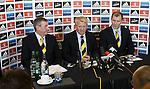 Gordon Strachan flanked by Campbell Ogilvie and Stewart Regan