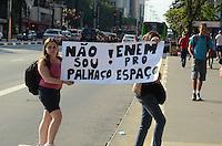 SÃO PAULO, SP, 04 DE JANEIRO DE 2012 - MANIFESTÇÃO ESTUDANTES - Estudantes manisfestam, no fim da tarde desta quarta-feira, 04, na Avenida Paulista, contra irregularidades no Enem e outras queixas da educação no Brasil. FOTO: ALEXANDRE MOREIRA - NEWS FREE.