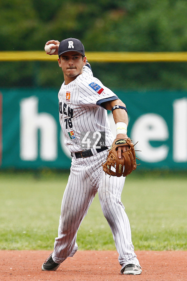 19 August 2012: Maxime Lefevre of the Rouen Huskies throws the ball to first base during the 12-8 win over Senart, during game 4 of the French championship finals, in Rouen, France. The Rouen Huskies win their 9th title in 10 years.