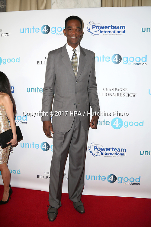 LOS ANGELES - APR 7:  Ralph Sampson at the 4th Annual unite4:humanity Gala at the Beverly Wilshire Hotel on April 7, 2017 in Beverly Hills, CA