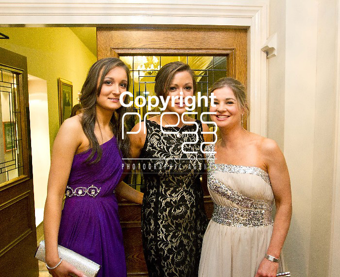 27/01/13 Pictured attending The Hunt Ball in the Tempal Gate Hotel were Audrey Mitchell, Carita Conway and Carrie Kelly. Photos Tony Grehan / Press 22.