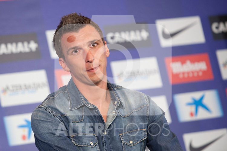 Croatian Mario Mandzukic during his official presentation as a new Atletico de Madrid´s football player at Vicente Calderon stadium in Madrid, Spain. July 24, 2014. (ALTERPHOTOS/Victor Blanco)