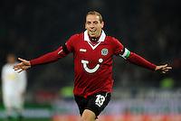 FUSSBALL   1. BUNDESLIGA    SAISON 2012/2013    9. Spieltag   Hannover 96 - Borussia Moenchengladbach         28.10.2012 Jan Schlaudraff (Hannover 96) bejubelt sein Tor zum 1:0
