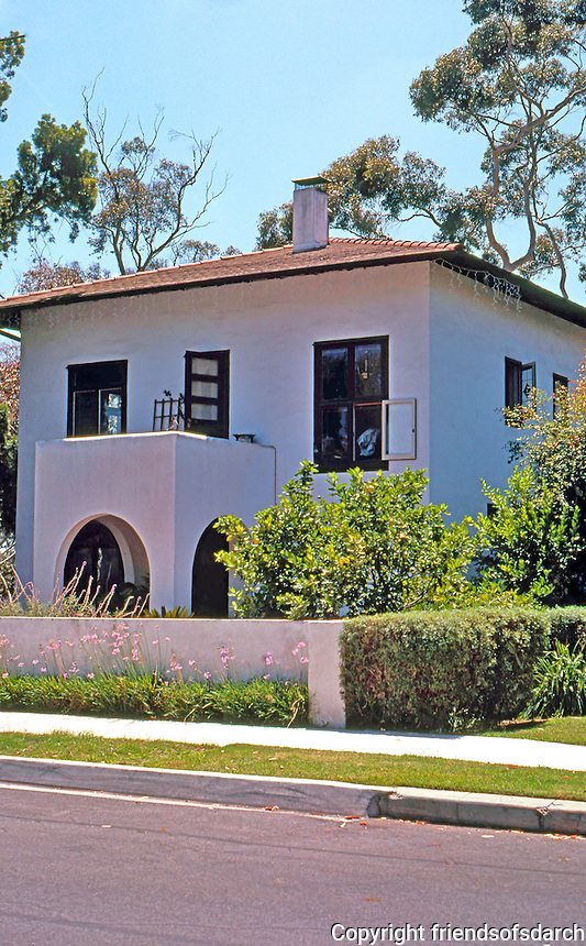 "Irving Gill: Simmons House, 3506 Albatross St., San Diego. 1909. Gill's first ""cube"" house. The pitched roof and eaves are from remodel. Photo 2000."