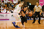 (L-R) Asami Yoshida (Sunflowers), Emi Kudeken (Antelopes), MARCH 19, 2013 - Basketball : The 14th Women's Japan Basketball League Playoffs Final Game #4 between Toyota Antelopes 61-72 JX Sunflowers at 2nd Yoyogi Gymnasium, Tokyo, Japan. (Photo by AFLO SPORT) [1156]