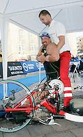 02 SEP 2007 - HAMBURG, GER - Jeremy Newman (USA) - World AWAD Triathlon Championships. (PHOTO (C) NIGEL FARROW)