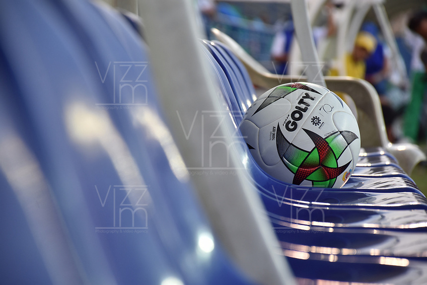 MONTERIA - COLOMBIA, 17-03-2019: Un balón de Golty es visto durante el partido por la fecha 10 de la Liga Águila I 2019 entre Jaguares de Córdoba F.C. y Alianza Petrolera jugado en el estadio Jaraguay de la ciudad de Montería. / A Golty ball is seen during match for the date 10 as part Aguila League I 2019 between Jaguares de Cordoba F.C. and Alianza Petrolera played at Jaraguay stadium in Monteria city. Photo: VizzorImage / Andres Felipe Lopez / Cont