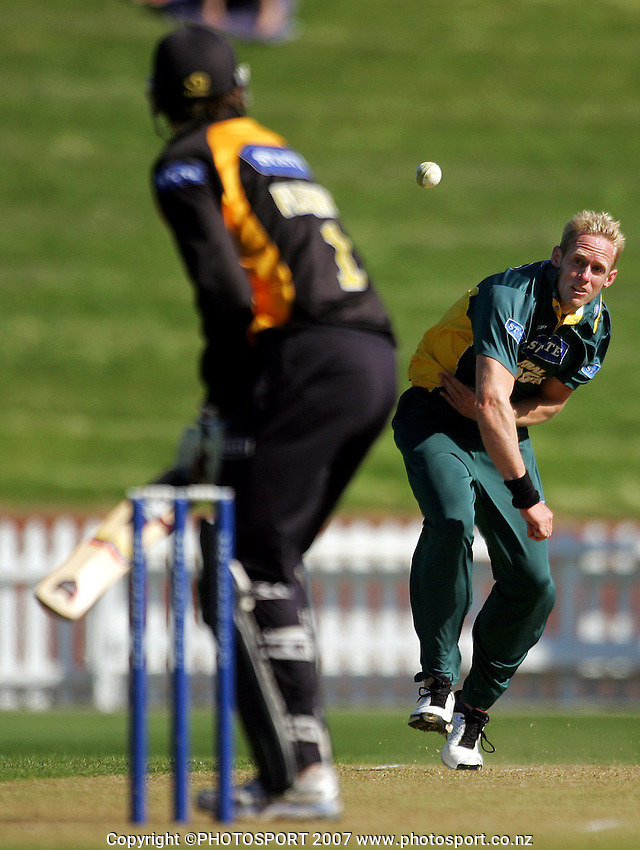 Brendon Diamante bowls to Stephen Fleming during the State Shield cricket match between the Wellington Firebirds and Central Stags at the Allied Prime Basin Reserve, Wellington, New Zealand on Sunday 30 December 2007. Photo: Dave Lintott / lintottphoto.co.nz