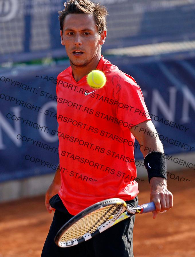 "Nicolas Devilder (FRA), ATP 250 series tennis tournament ""Serbia Open"" in Belgrade, Serbia, Saturday, April 23. 2011. (credit image & photo: Pedja Milosavljevic / thepedja@gmail.com / +381641260959)"