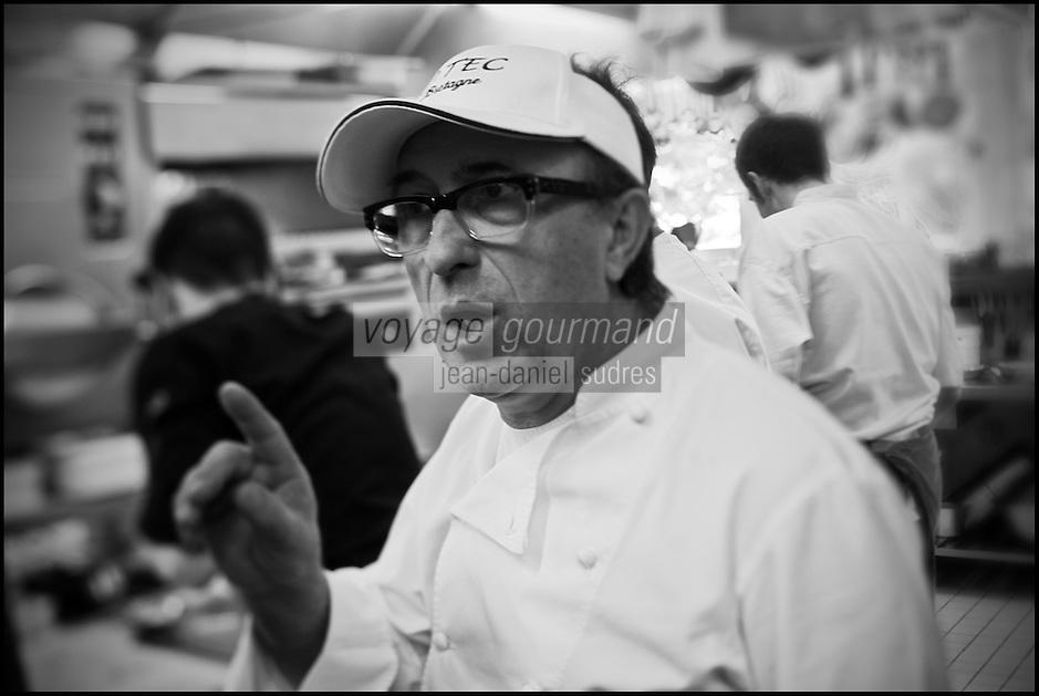 Europe/France/Bretagne/29/Finistère/Carantec: Patrick Jeffroy  en cuisine - Restaurant: Patrick Jeffroy - Hôtel de Carantec [Non destiné à un usage publicitaire - Not intended for an advertising use]