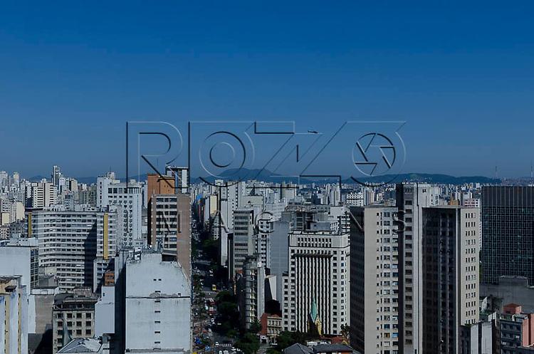 Vista da cidade, a partir do Edifício Martinelli, São Paulo - SP, 01/2014.